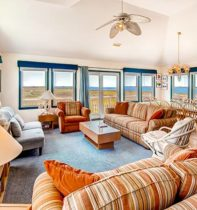 cape-hatteras-cottage-01-great-room